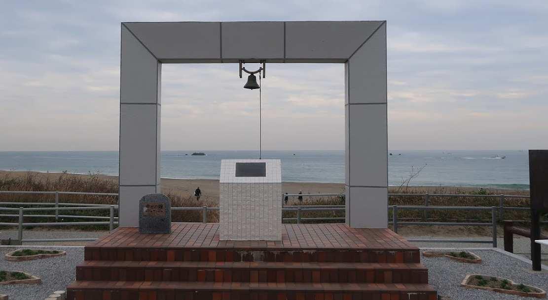 ペルセウス座流星群のおすすめ観測場所 恋路が浜の「願いのかなう鐘」