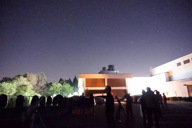 ペルセウス座流星群の観測のおすすめスポット 奥三河総合センターの星空観測の様子