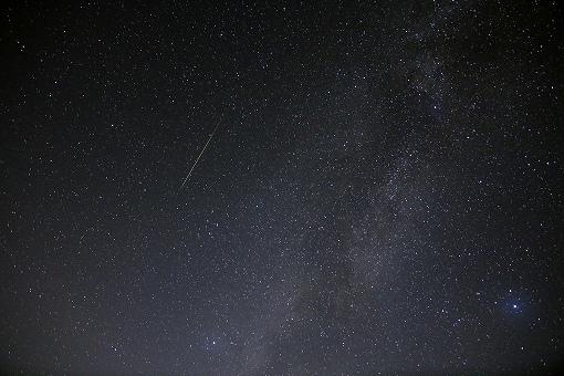 ペルセウス座流星群の方角や時間帯