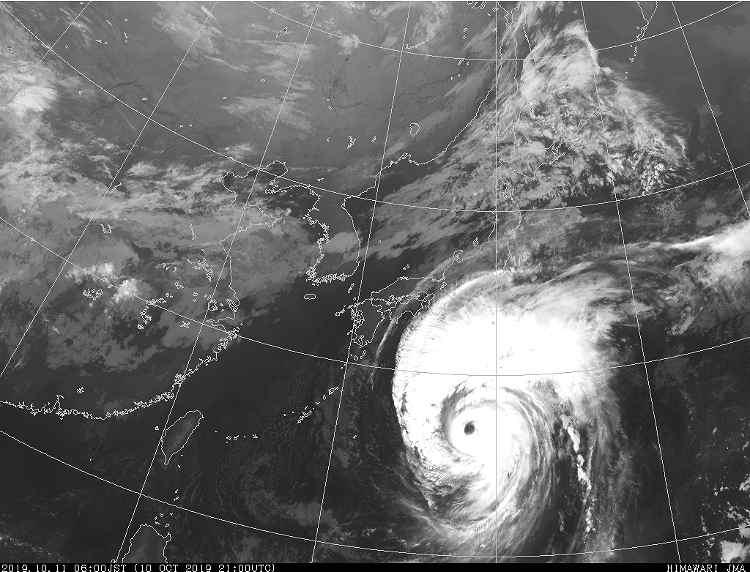 台風19号2019の気象庁による現在地